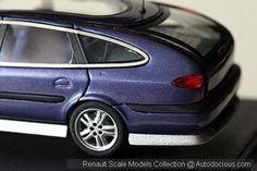 Renault Safrane Long Cours 1:43 scale model