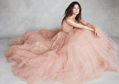 eliesaab: 'Close To Heaven' Lily Aldridge in ELIE SAAB Haute Couture Fall Winter shot by Patrick Demarchelier & styled by Kate Phelan for the November issue of Vogue UK. Lily Aldridge, Vogue Uk, Vogue Photo, Pretty Dresses, Beautiful Dresses, Wedding Ideias, Pink Tulle, Gold Tulle, Tulle Lace