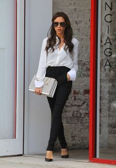 Classic outfit. Victoria Beckham.