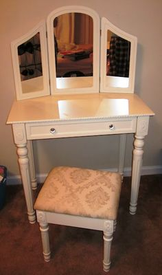 Warm Vanity And Bench Cherry Need This So I Can Sit Down Put My Makeup On Dream Home Pinterest Vanities