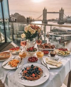 Travel Aesthetic, Aesthetic Food, Dream Vacations, Vacation Trips, Aloita Resort, Sunrise Breakfast, Morning Breakfast, Romantic Dinners, Beautiful Places To Travel