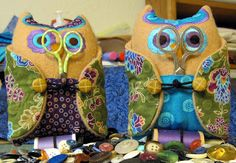 Moonvalley Quilter: Embroidered Owl Pincushion