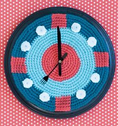 Sharon Mann's Let the Good Times Roll Clock crochet pattern via Lee Today Unique Crochet, Cute Crochet, Knit Crochet, Crochet Kitchen, Crochet Home, Good Times Roll, Holiday Crochet, Thread Painting, Crochet Projects
