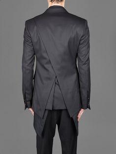 be black, but I think graphite. soft, powdery and with brown inside. Mens Tailored Suits, Tailored Jacket, Fashion Moda, Men Fashion, Fashion Outfits, Fashion Design, Mode Man, Mens Kurta Designs, Dark Fashion