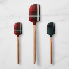 Williams Sonoma features a wide array of spatulas, including silicone, rubber and metal spatulas. High-quality spatulas are essential for every kitchen. Gifts For Your Girlfriend, Boyfriend Gifts, Holiday Gift Guide, Holiday Gifts, Christmas Gifts, Kids Christmas, Romantic Candles, Holiday Essentials, Cooking Tools
