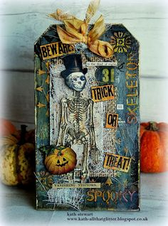 Vanishing Visitors Halloween Tag made with lots of Tim Holtz elements Halloween Shadow Box, Halloween Tags, Halloween Christmas, Vintage Halloween, Halloween Ideas, Happy Halloween, Halloween Paper Crafts, Halloween Decorations, Mini Albums