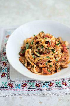 Square spaghetti with quail sauce recipe from Pasta by Antonio Carluccio…