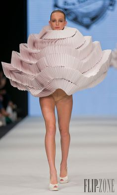 Bea Szenfeld - Ready-to-Wear - Spring-summer 2014 - http://www.flip-zone.net/fashion/ready-to-wear/independant-designers/bea-szenfeld-4324 - ©PixelFormula