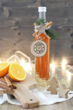 * magnoliaelectric: YYY - YummY fridaY {Selbstgemachter Orangenlikör} // Weihnachtsgeschenksidee