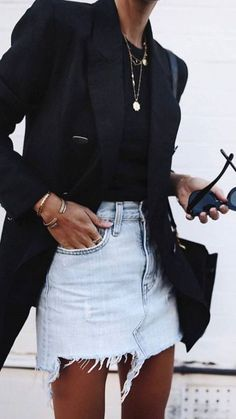 If you don't know what to wear,just pot a black blazer and denim skirt on! If you don't know what to wear,just pot a black blazer and denim skirt on! Adrette Outfits, Denim Skirt Outfits, Office Outfits, Casual Outfits, Fashion Outfits, Casual Office, Dress Casual, Denim Skirt Outfit Winter, Smart Casual