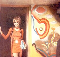 Kinfauns was George Harrison& and his wife Pattie Boyd& house from 1964 till George bought the house in for on 17 J. Eric Clapton, George Harrison, Pattie Boyd, Something In The Way, Sixties Fashion, Big Photo, Musa, Ringo Starr, The Beatles