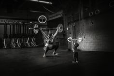 And we're all like: Daaaamn. #greatist http://greatist.com/live/pregnant-woman-crushes-crossfit-inspired-photo-shoot