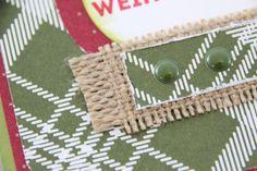 Feestelijke kaarten, gemaakt met de Merry Moment Designer Series Paper van Stampin' Up!, laten zich perfect versieren met Candy Dots in bijpassende kleur. #kerst #cadeau #Stampinup #DIY #stempelset #stempelen #kerstkaarten