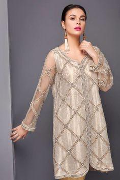 Simple Pakistani Dresses, Pakistani Party Wear Dresses, Shadi Dresses, Pakistani Fashion Casual, Pakistani Wedding Outfits, Pakistani Dress Design, Nice Dresses, Casual Dresses, Fashion Dresses