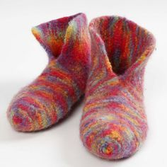 Knitted, Felted Slippers - Creative ideas - - Lovely woollen slippers knitted on No. 6 knitting needles and felted in the washing machine. For extra durability you may add felted soles with stocking-stop or apply latex to the entire sole. Felted Slippers Pattern, Knitted Slippers, Needle Felted, Wet Felting, Knitting For Kids, Knitting Projects, Knitting Tutorials, Knitting Patterns Free, Free Knitting