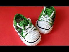 17 trendy crochet baby converse pattern all star Crochet Baby Booties, Crochet Slippers, Baby Blanket Crochet, Crochet Stitches Free, Baby Knitting Patterns, Knit Crochet, Baby Boots, Baby Girl Shoes, Baby Converse