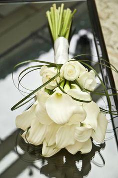 Wit bruidsboeket aronskelken