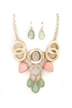 Perfect Statement Necklace - love the colors