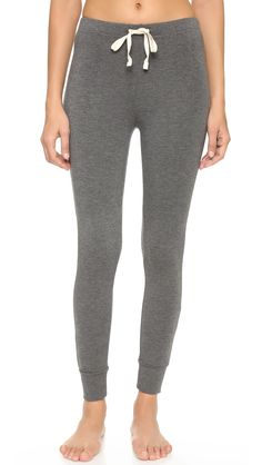 ¡Cómpralo ya!. Honeydew Intimates Kickin' It Jogger Pants - Heather Charcoal. Relaxed Honeydew Intimates lounge pants in soft jersey. Drawstring elastic waist. Ribbed cuffs. Fabric: Soft jersey. 95% rayon/5% spandex. Wash cold. Imported, China. Measurements Rise: 8.75in / 22cm Inseam: 26.5in / 67cm Measurements from size S. Available sizes: S , pantalónjogger, joggers, jogging, joggings, jog, jogger, hosejogger, joggers, pantalonjoggeur, pantalonejogger, joggers. Pantalón jogger  de mujer...