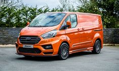 First pictures and details of the new Transit Custom MS-RT - the sportiest version of Ford's newly facelifted medium van Ford Transit Custom Camper, Custom Campers, Custom Car Interior, Vanz, Van Wrap, Van Design, Ford Escort, Custom Vans, Commercial Vehicle
