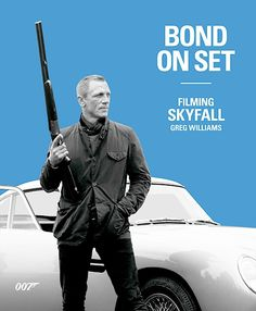 Would like this look – might visit a Barbour shop in London this January! Bond on Set: Filming SkyFall cover, showing Bond in his Barbour sports jacket James Bond Skyfall, James Bond Movies, Aston Martin, Nitro Express, Greg Williams, Daniel Craig James Bond, Bond Cars, Best Bond, Scene Image