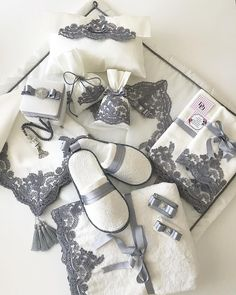1 million+ Stunning Free Images to Use Anywhere Bridal Gifts, Wedding Gifts, Trousseau Packing, Bathroom Crafts, Wedding Gift Wrapping, Wedding Preparation, Creative Gifts, Diy Gifts, Marie