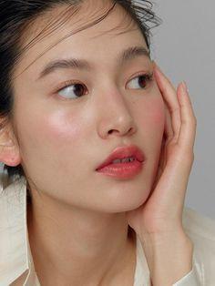 True Dimension Glow Cheek Blush On Fresh Face Makeup, Dewy Makeup, Blush Makeup, Bridal Makeup, Hair Makeup, Makeup Trends, Makeup Inspo, Makeup Inspiration, Make Up Glow