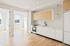 $2650 - Green Point. 2 Bedroom with balconies, everything is new. Way too good to be true.