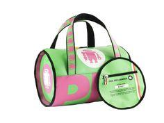 Borsa donna di forma cilindrica color verdino e rosa per un look originale e sbarazzino.