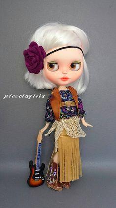 Guarda questo articolo nel mio negozio Etsy https://www.etsy.com/listing/270068416/blythe-dress-theme-country-pop-chic