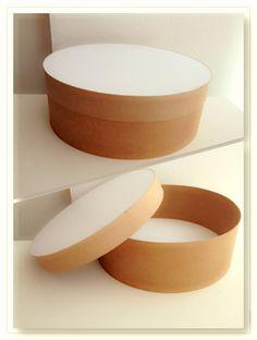 Cajas redondas para sombreros, regalos especiales y tocados.