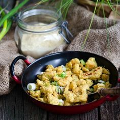 """Guten Morgen! Gestern gab es Frühstücksgröstl aus Kichererbsenmehl - schmeckt richtig gut, nur etwas trocken. Rezept aus """" Vegan ohne Soja"""" vom @gu.verlag - Rezension folgt die Tage am Blog. #vegan #vegansofig #whatveganseat #chickpeaflour #vegansofinstagram #veganwerdenwaslosdigga #vegansofaustria #plantbased #breakfast #frühstück #foodstagram #thefeedfeed #bestofvegan #veganfoodlovers #ichliebefoodblogs #veganfood Food Blogs, Fresh Green, Potato Salad, Pure Products, Vegan, Classic, Ethnic Recipes, Color, Good Morning"""