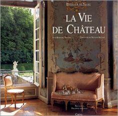 La vie de château est aussi un film avec l'actrice française Catherine Deneuve.