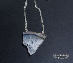 Broken agate stone necklace jewelry pendant. White brown agate necklace - pinned by pin4etsy.com