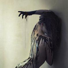 Brooke Shaden Death and surrealism - tally Conceptual Photography, Dark Photography, Portrait Photography, Horror Photography, Colour Photography, People Photography, Foto Art, Dark Beauty, Photoshoot Inspiration