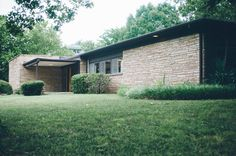 Mid Century home exterior : A Tulsa Modern Home Tour