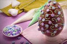 Resultado de imagem para uova di pasqua in pasta di zucchero