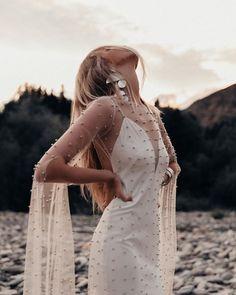 Essa Coleção de Vestidos de Noiva Rue De Seine é Perfeita para Casamentos Boho na Praia!