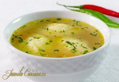 Haideti sa facem supa de pui cu galuste. Pentru o supa reusita, aveti nevoie de carne cu os, sau chiar de oase de pasare. Eu am folosit spate, pulpe si arip Soup Recipes, Cooking Recipes, Cooking Stuff, Hungarian Recipes, Romanian Recipes, Russian Recipes, Romanian Food, Easy Meals For Kids, Food Obsession
