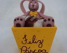 Cachepô porta ovos de páscoa com coelho