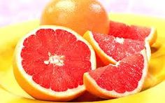 GRAPEFRUIT ♥  Grapefruit is a Superfruit for your heart. A grapefruit a day particularly the ruby variety can help keep heart disease at bay by lowering cholesterol, according to several studies. The redder your fruit the better, they contain higher levels of antioxidants.