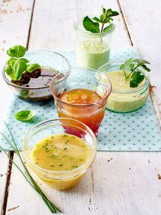 Mit einem schönen Dressing schmecken Blattsalat und Gemüserohkost erst richtig lecker.