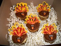 Check out Nicole S.'s entry in our fall decorating contest: Turkey #cupcakes!     Re-pin to vote for her entry and help her win a free decorating session at our studio! #cakestar