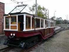 A kis földalatti eredeti kocsija. Light Rail, Commercial Vehicle, Budapest Hungary, Old Pictures, Historical Photos, Tao, History, Country, World