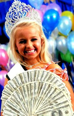 madi when she won universal royalty 10,000