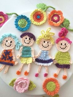 Applique Patterns, Crochet Patterns, Dark Wallpaper, Crochet Crafts, Crochet Flowers, Baby Toys, Hair Pins, Lana, Tatting