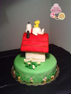 SNOOPY CAKE!!!!! omg i love this so much