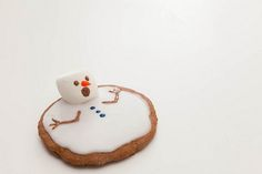 melted snowman christmas cookie