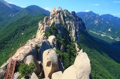 #Seoraksan stands with the #Ulsanbawi Rock as one of the most worthwhile outdoors/adventure destinations in Korea. What makes it an excellent family destination is its diversity of outdoor offerings - from hiking to camping to mountain climbing - as well as its sheer size and family-accommodating attractions.