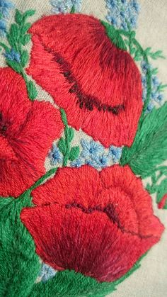 Red poppies. Hoop art. Hand embroidery on linen. https://www.etsy.com/ru/listing/503520672/embroidery-hoop-art-poppy-hand?ref=shop_home_feat_3